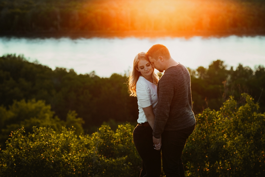 sunset engagement photos in saskatoon